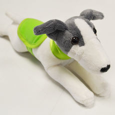 Plyšový whippet/greyhound s dečkou a obojkem - zelený