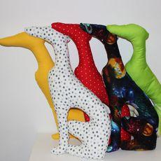 Dekorační polštář - CHRT FUNKY DOTS